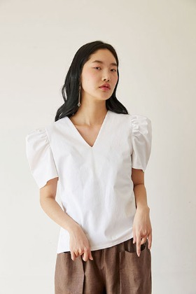 puff sleeve V-neck blouse (white)