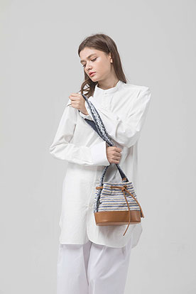 bucket bag (blue stripe)