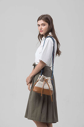 bucket bag (canvas beige)